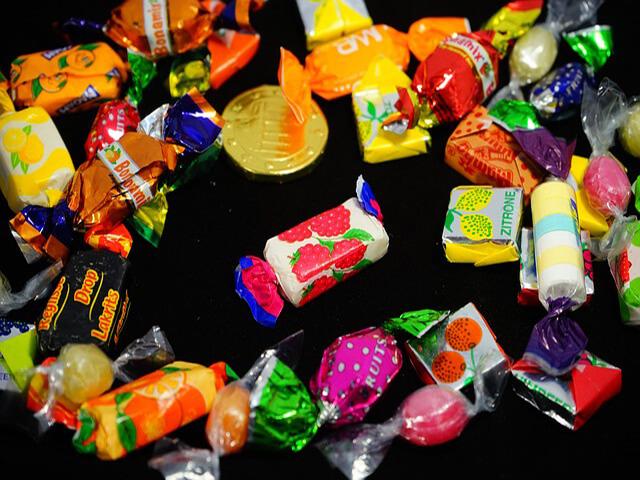 Kamelle wurfmaterial bonbons